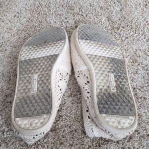 Airwalk Shoes - Cream Slip on Airwalks size 9